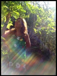 Decidir ser felíz y mantenerse felíz PASE LO QUE PASE es el camino más corto a sentirte en contacto con tu Orígen, en total armonía y gratitud.